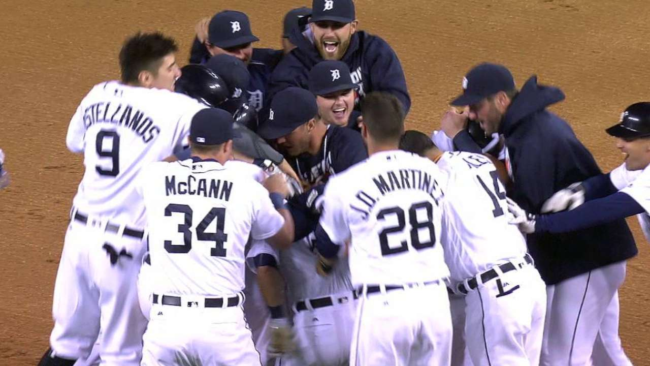 Tigers save best for last, stun Jays in 10th