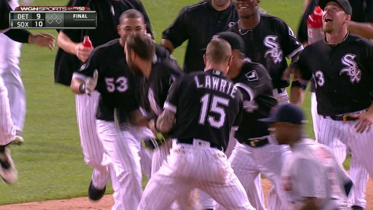 White Sox rally from 7 down, walk off on Tigers in 12