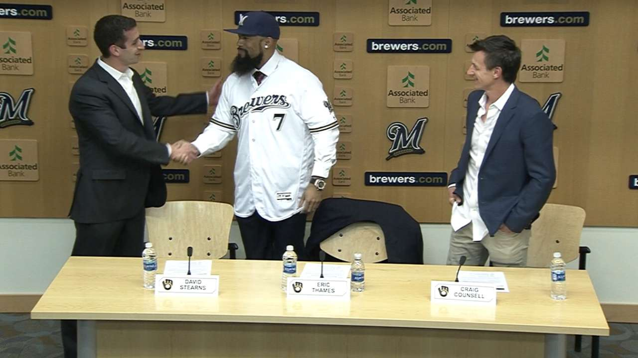 Brewers introduce Eric Thames