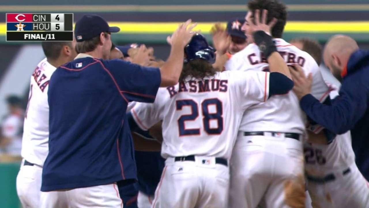 Astros se desquitan de los Rojos con triunfo en extrainnings