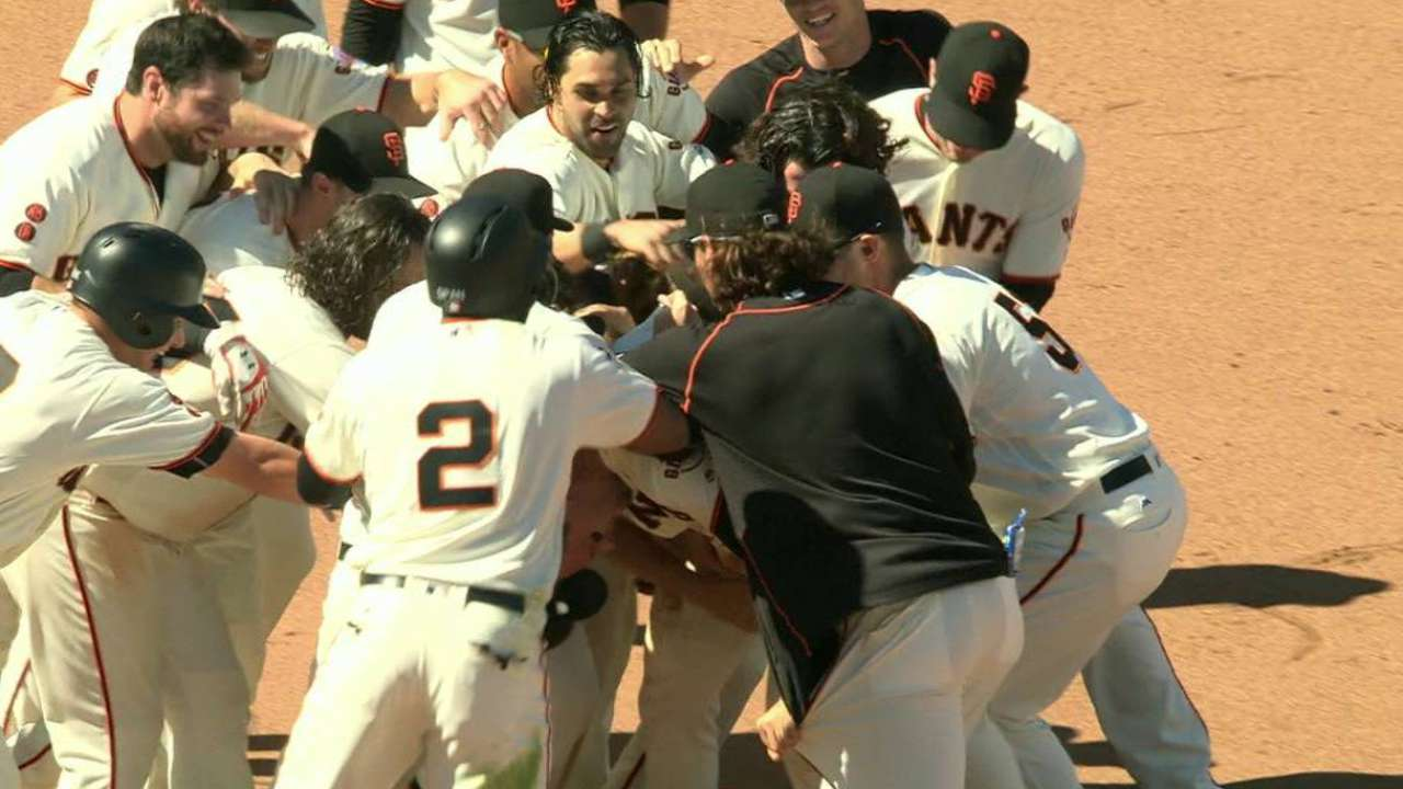 Giants walk off for NL-best 49th victory