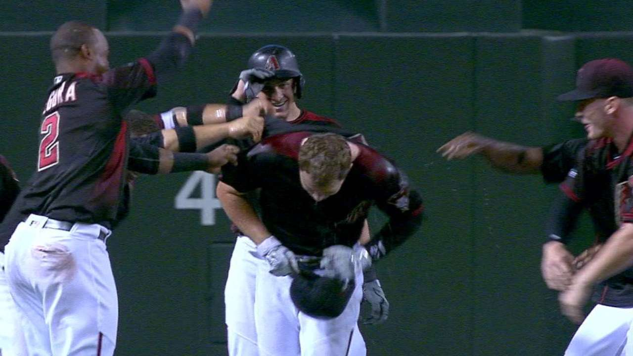 D-backs rally in 9th, walk off Dodgers in 12th