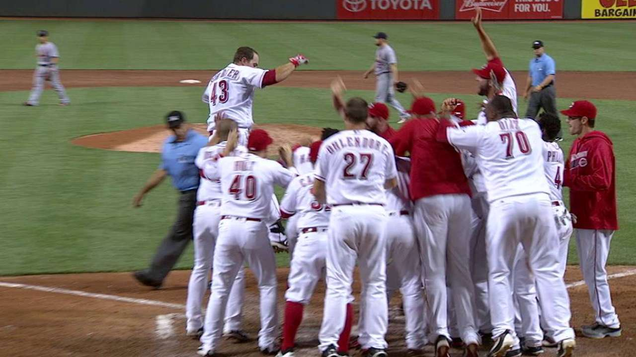 Schebler's walk-off home run