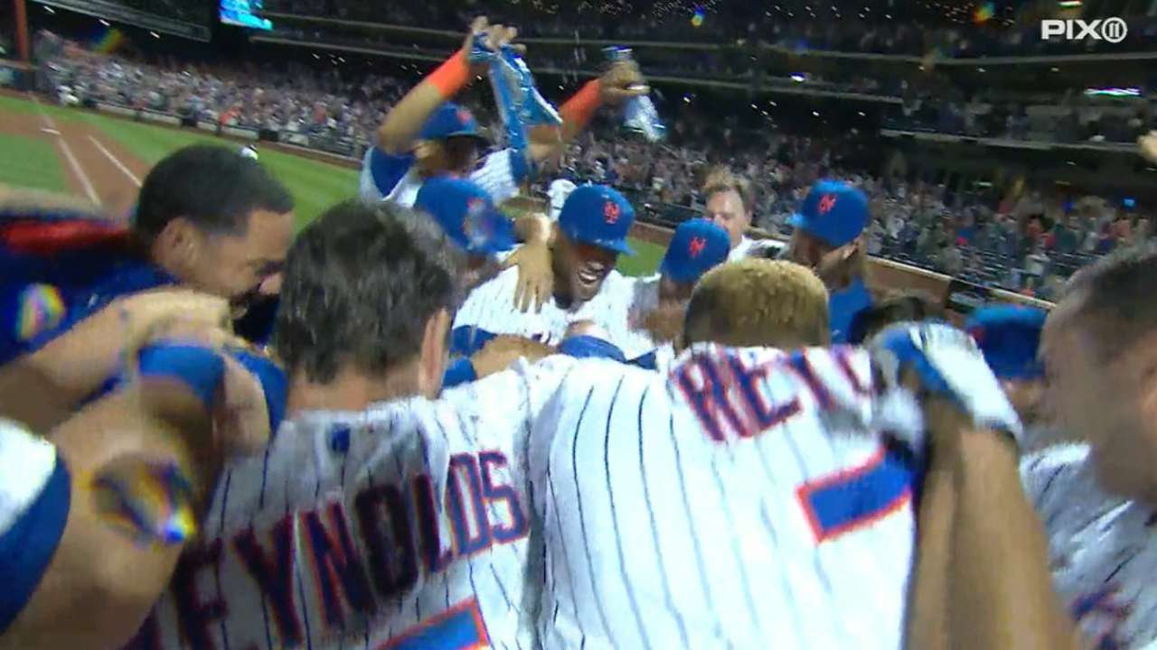 Mets walk off on Grandy's 2nd HR in extras