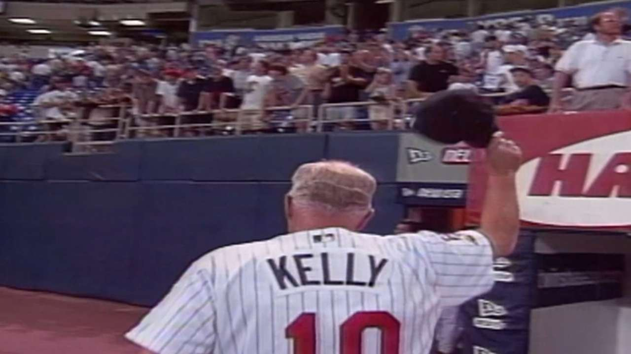 Twins to honor Kelly with Target Field statue