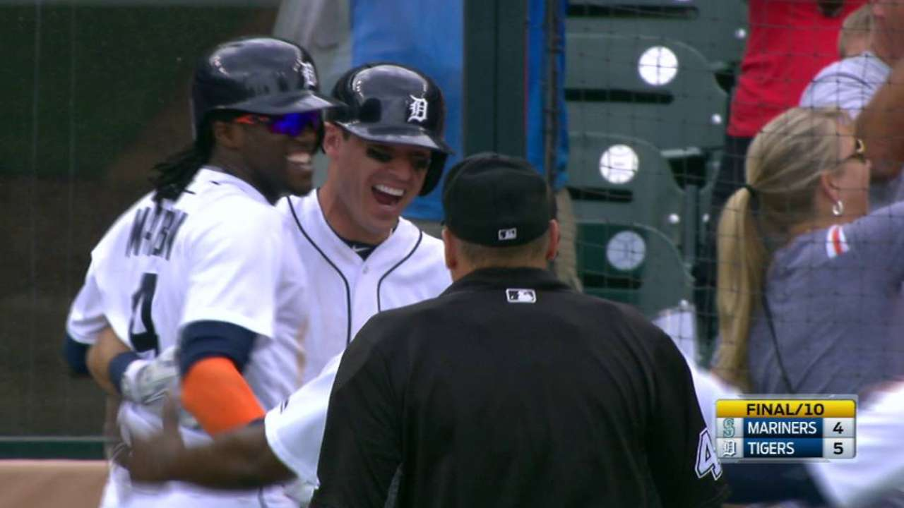 Walk-off wild pitch caps Tigers' sweep of Mariners