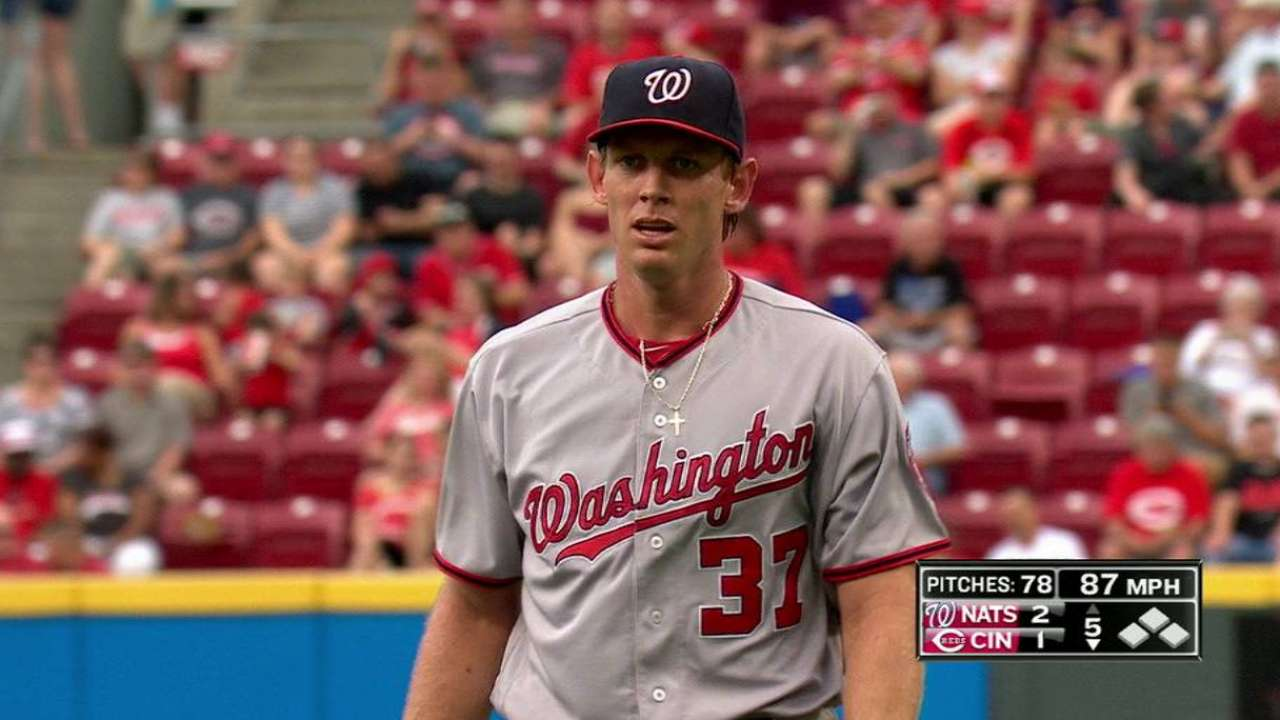 Stras OK after exiting early, netting 1,000th K