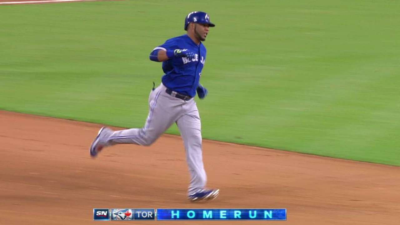 Encarnacion reaches 30 HRs for 5th straight year