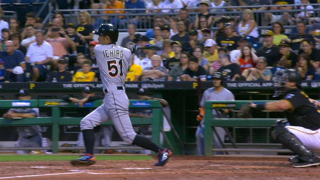 Ichiro passes Kaline with 3,008th career hit