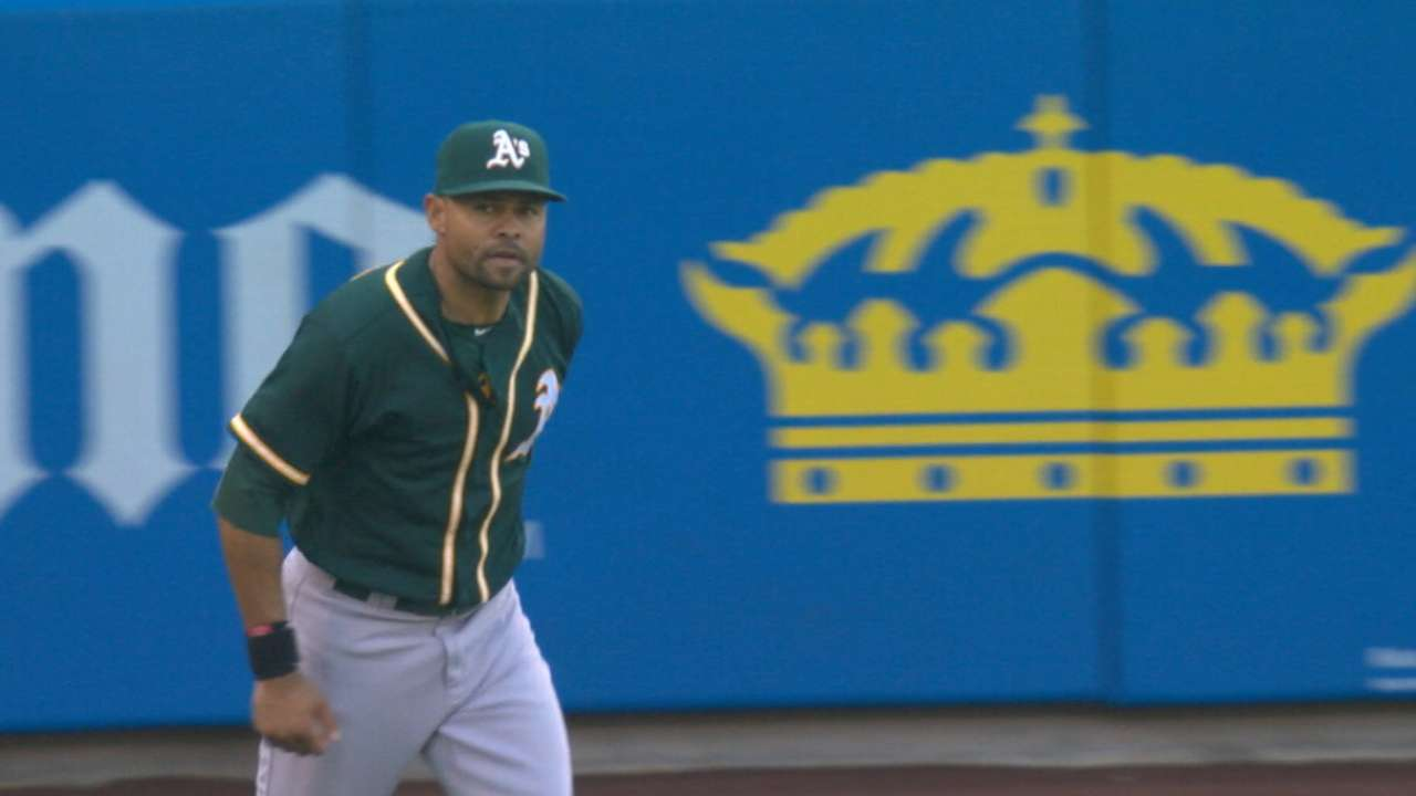 Indians complete deal to acquire Crisp from A's
