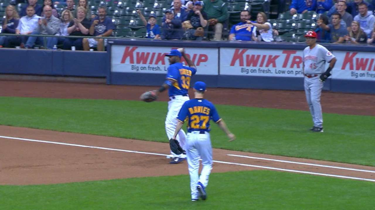 Carter starts Brewers' second triple play of '16