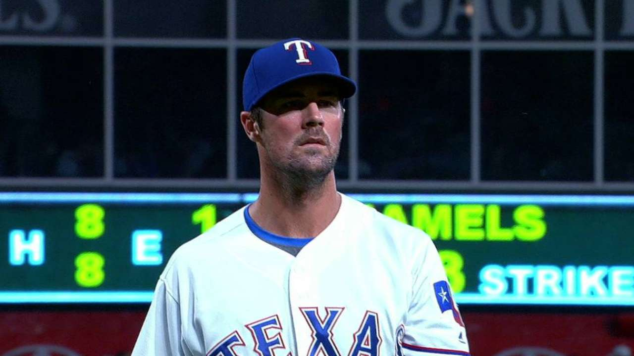 Hamels hits 200 K's in tuneup for postseason