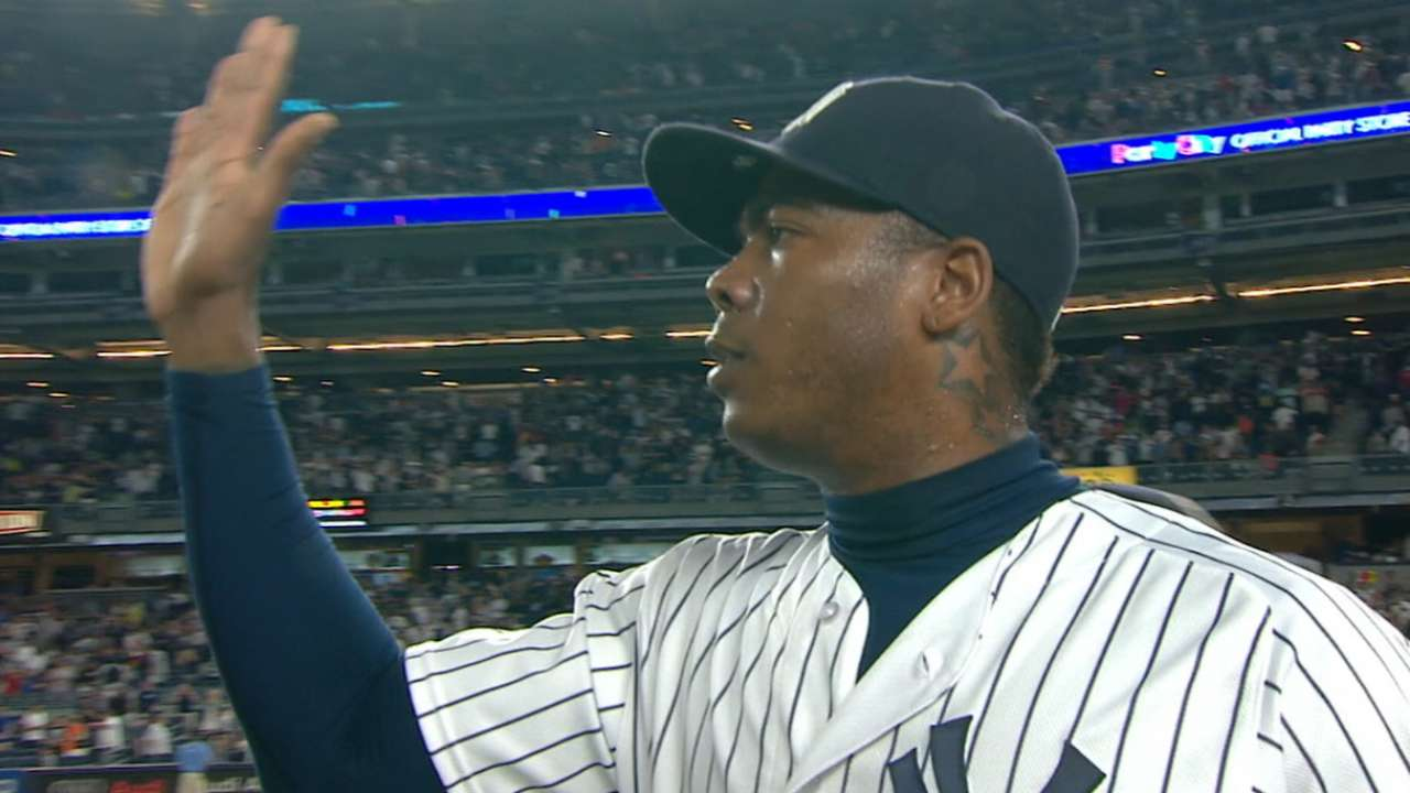Yankees reportedly sign Chapman