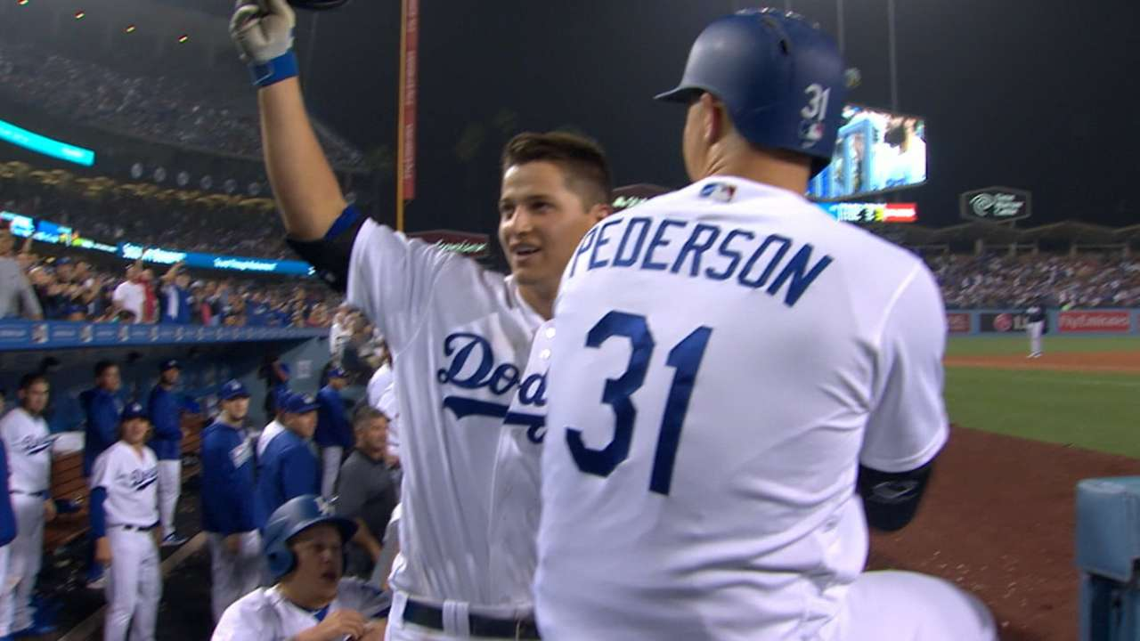 Night moves: Seager's 3 HRs lift Dodgers