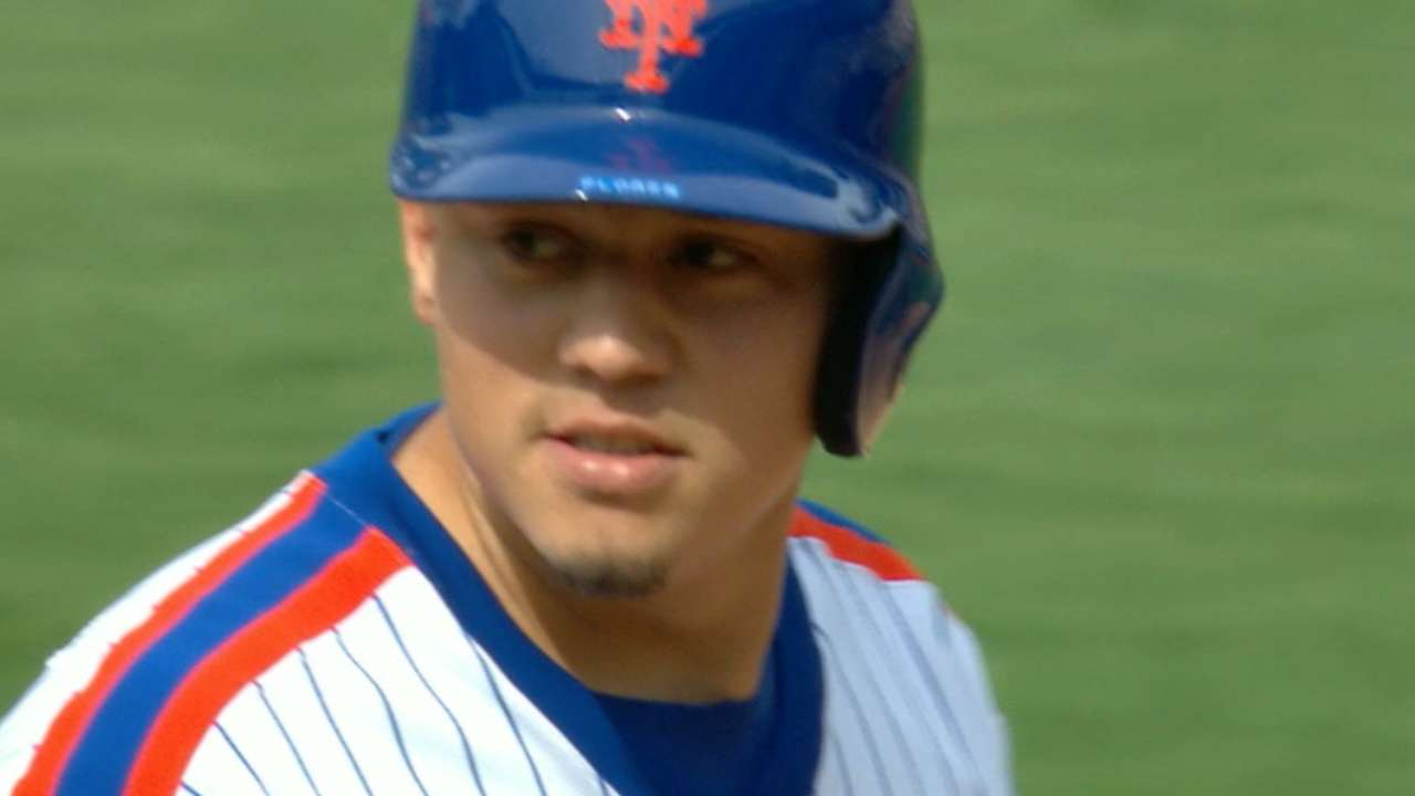 Flores joins Mets history with 6-for-6 output