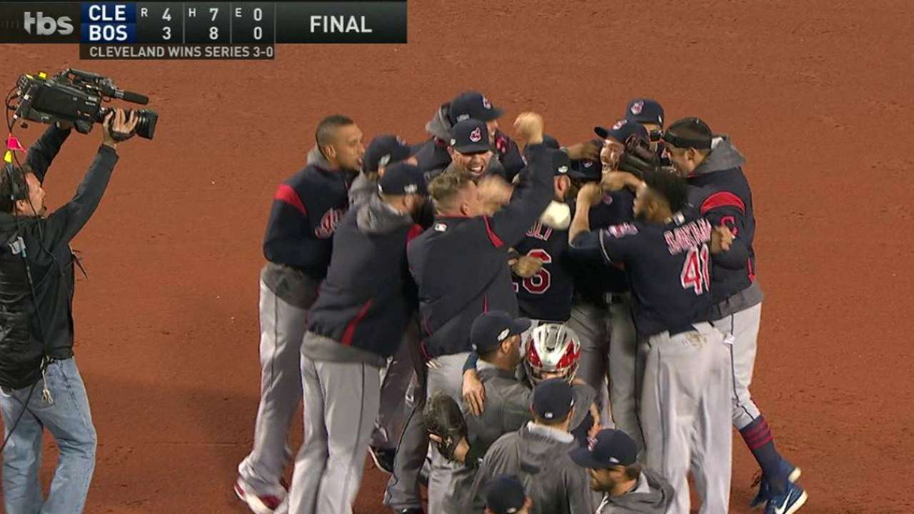 Indians sweep way into ALCS in Papi's finale