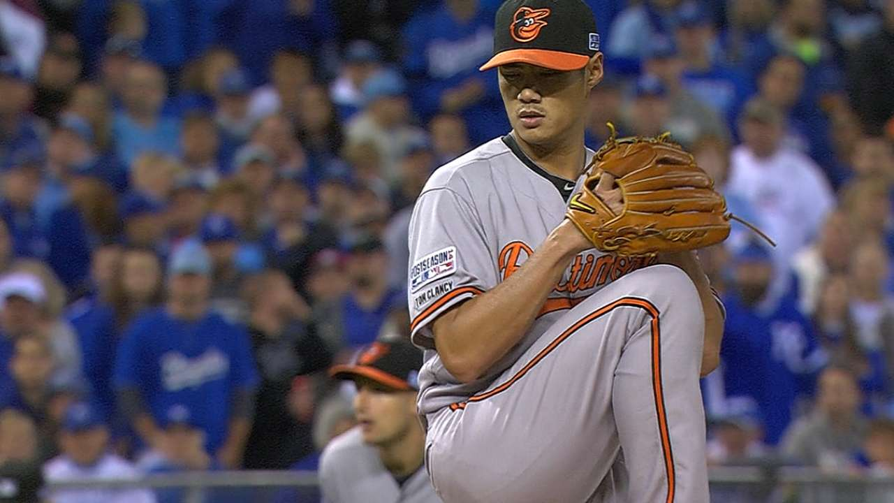 O's pitch well, but lose Game 3