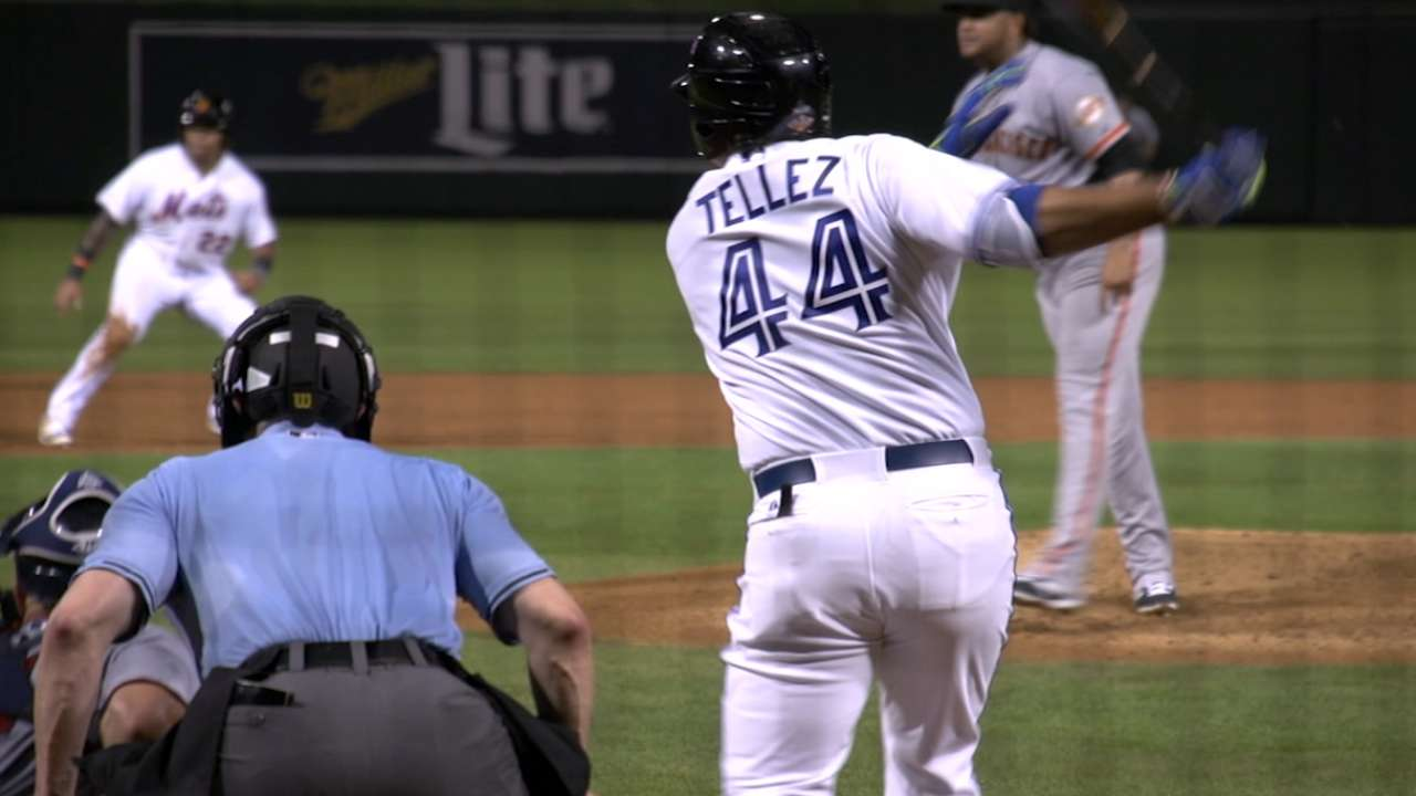 Could Tellez take Toronto's first-base reins in '17?