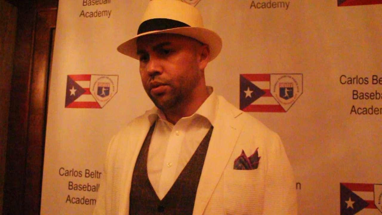 Beltran helps open Puerto Rico goodwill tour