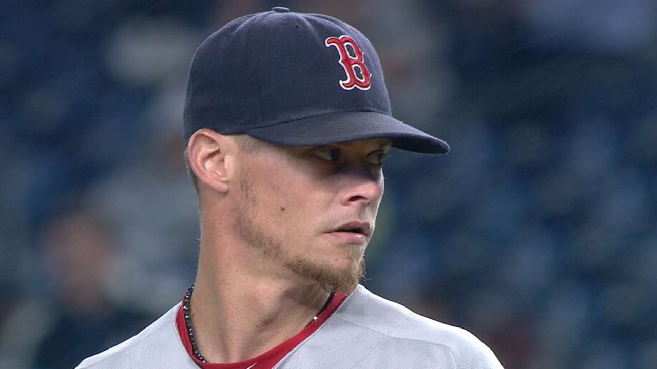 Phillies acquire Buchholz from Red Sox