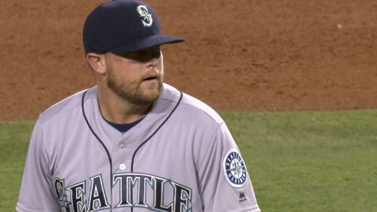 Reds ink reliever Storen to deal