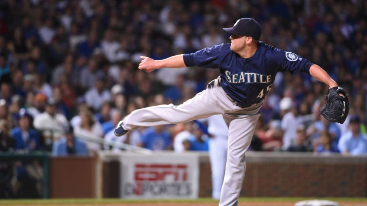 Reds sign reliever Storen to 1-year contract