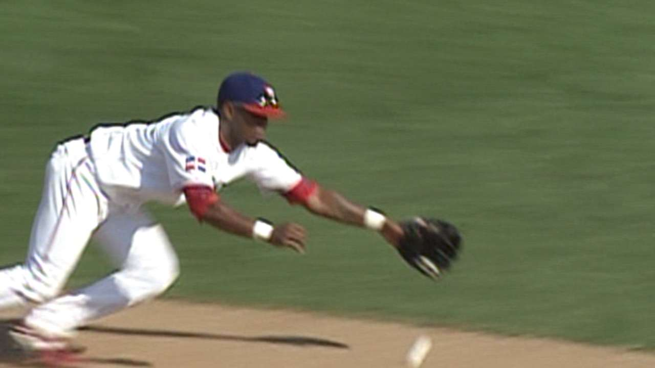 Reyes dives, throws for out