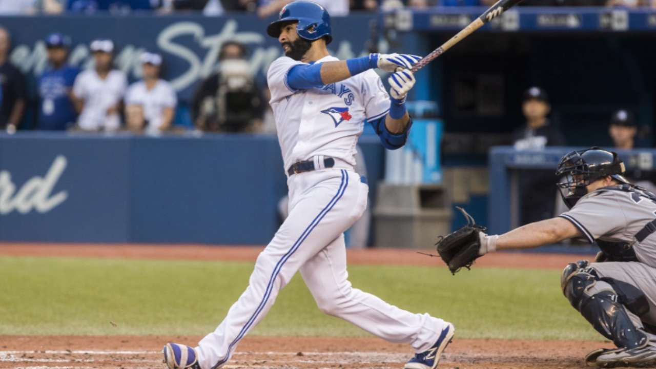 Bautista re-signs with Toronto