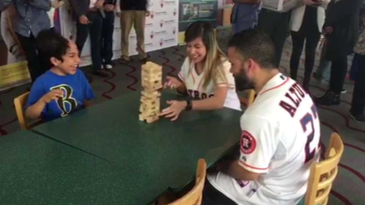 Astros lose games, win smiles at children's hospital