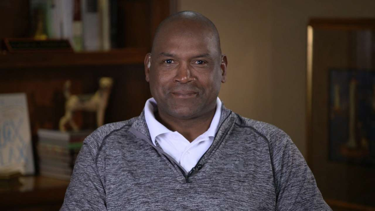 Raines discusses Expos, HOF nod