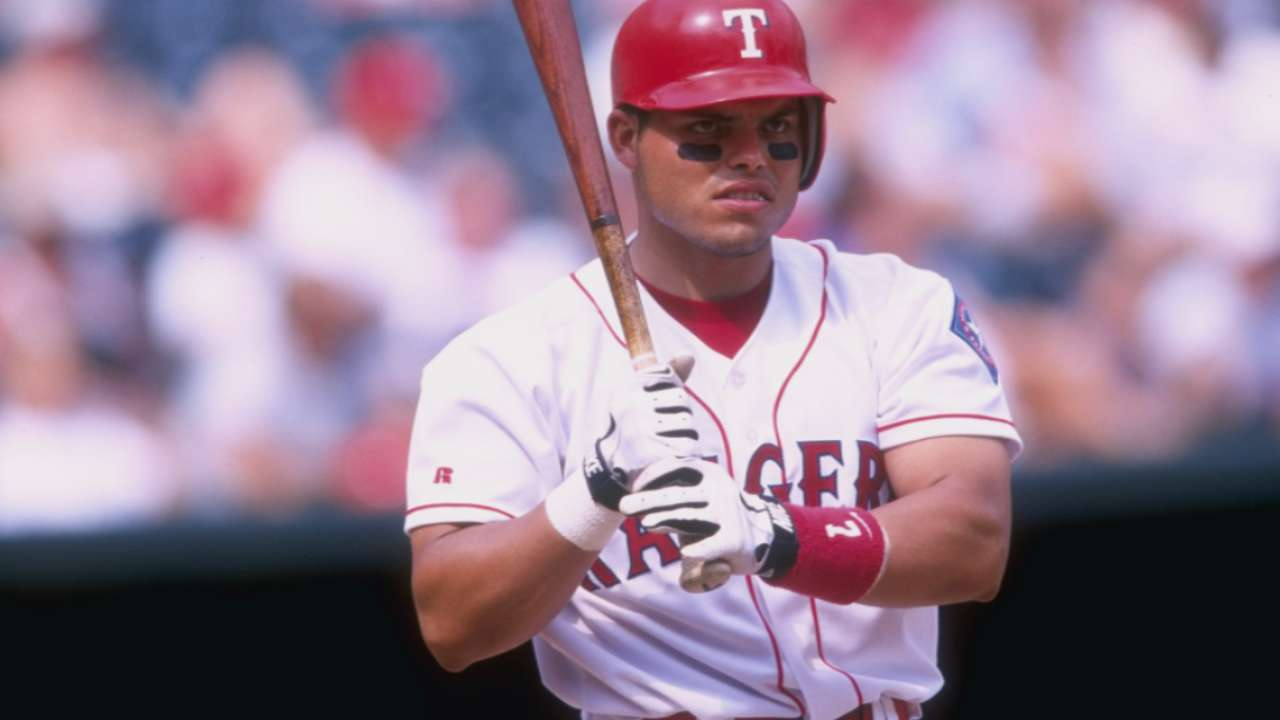 Pudge joins Hall of Fame in 2017