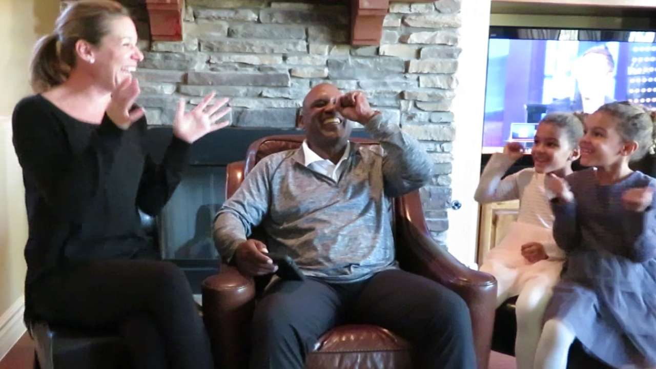 Raines' emotions high during HOF election news