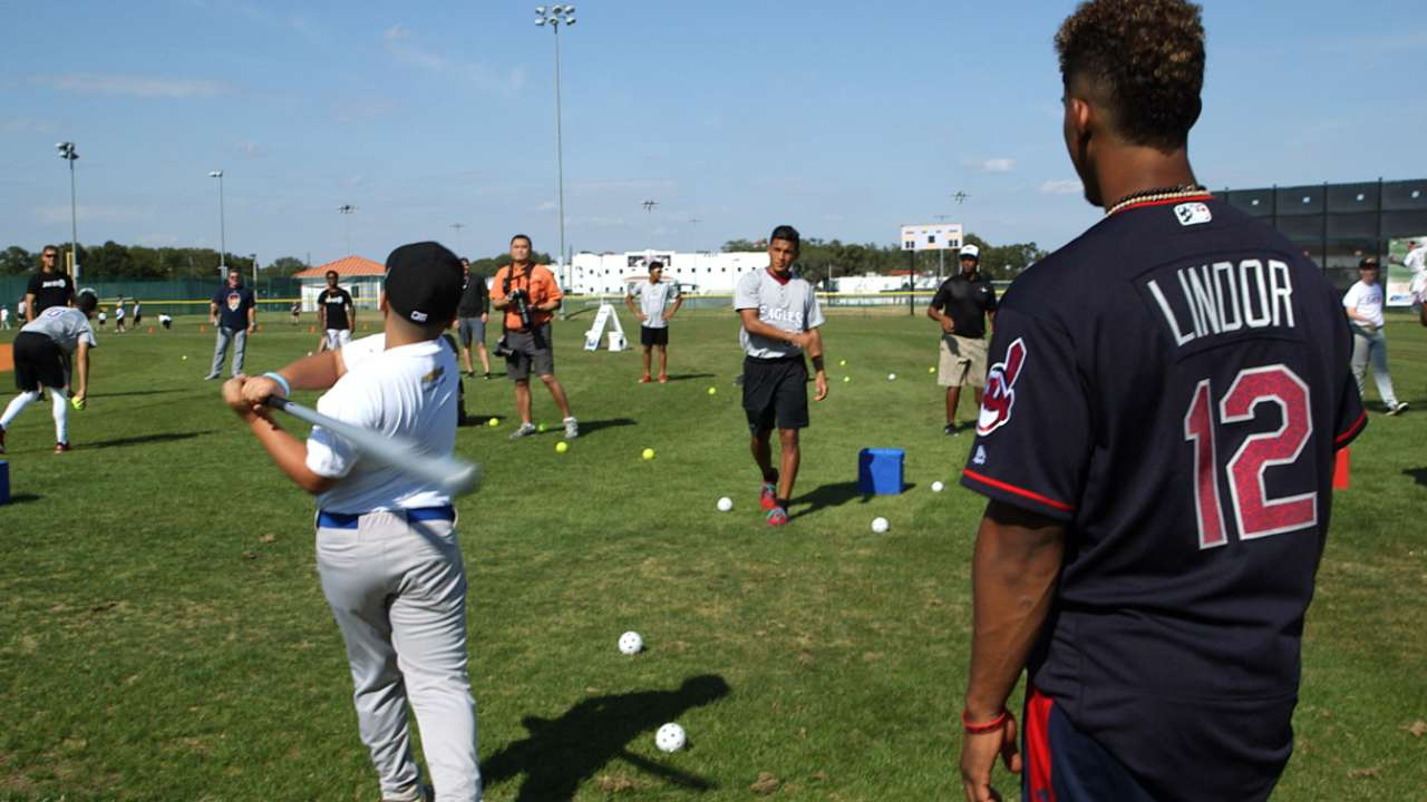 Lindor 1st MLB player to host Play Ball event