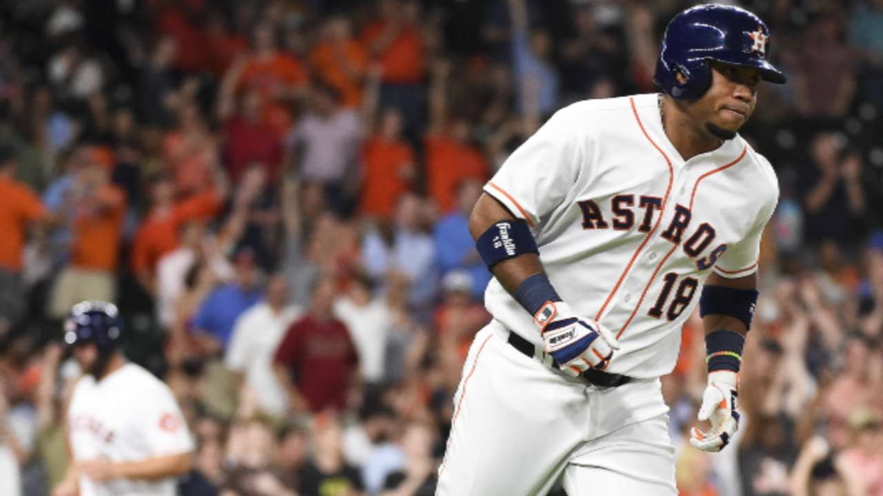 Angels finalize 2-year deal with Valbuena