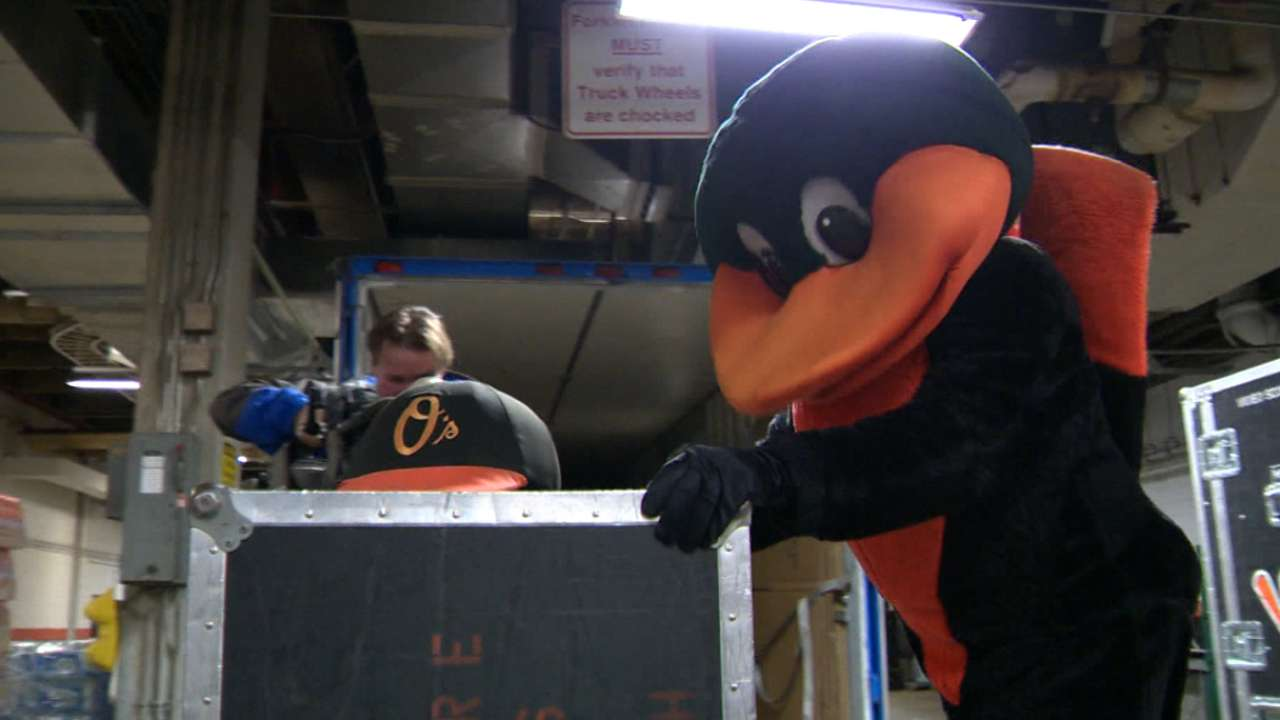 O's load trucks for migration to Spring Training