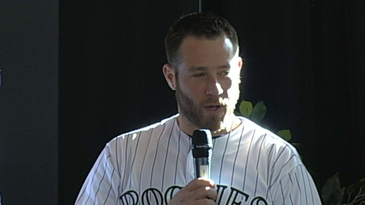 Rox come to terms with former All-Star closer Holland
