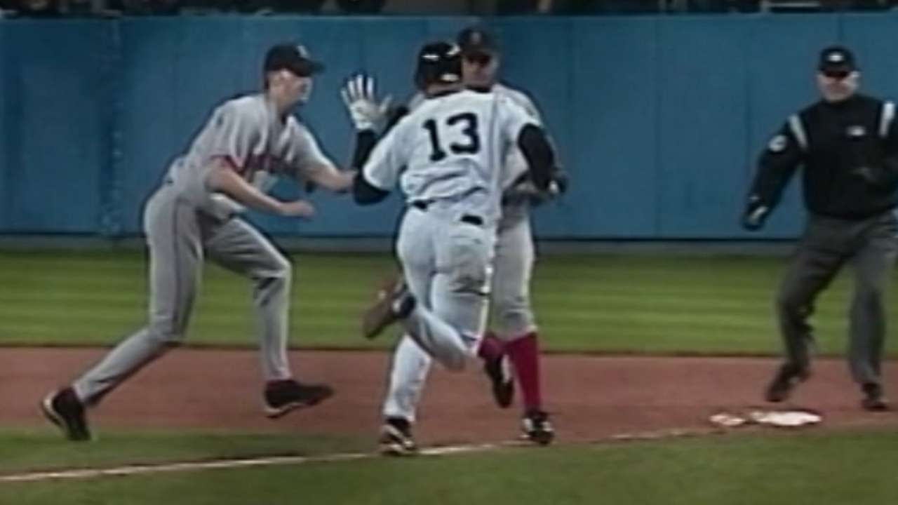 A-Rod slaps ball from Arroyo