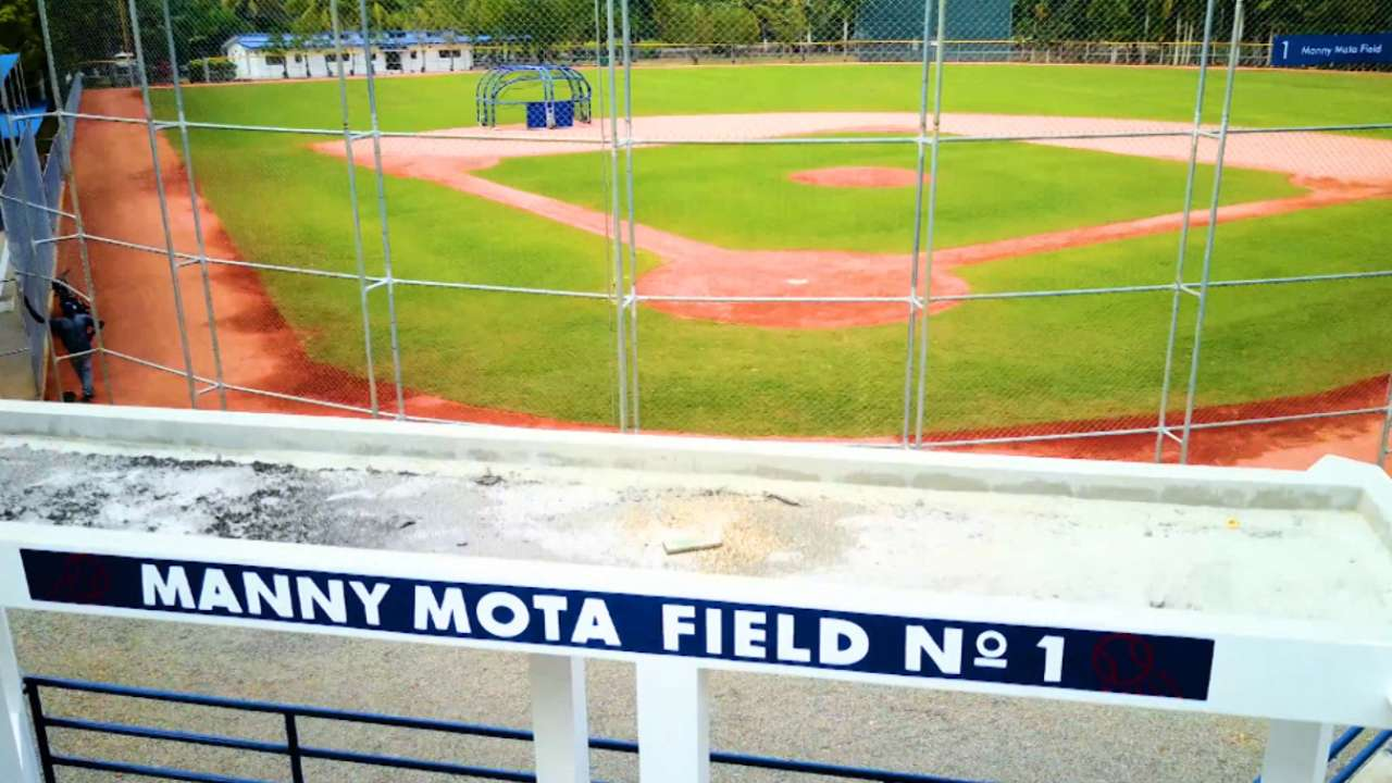 Dodgers reopen renovated Dominican academy