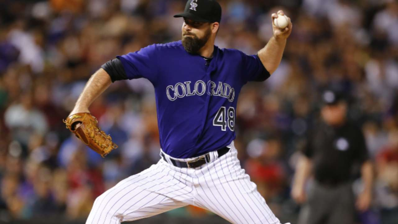 Source: Indians further bolster bullpen with Logan