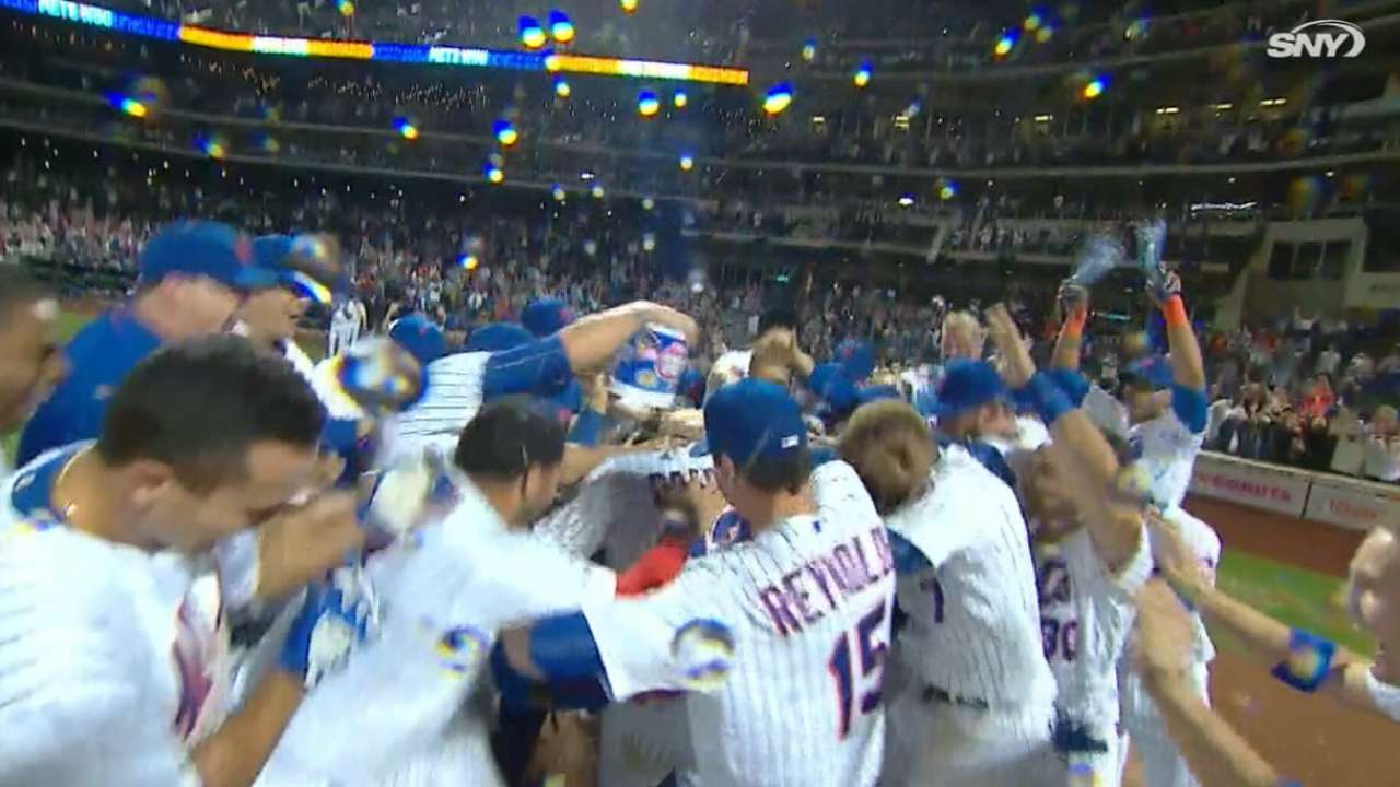Mets' perfect season ends with parade