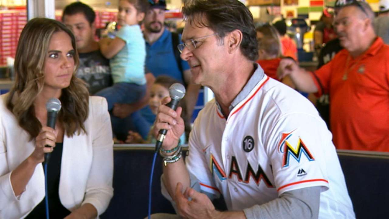 Marlins join fans at FanFest
