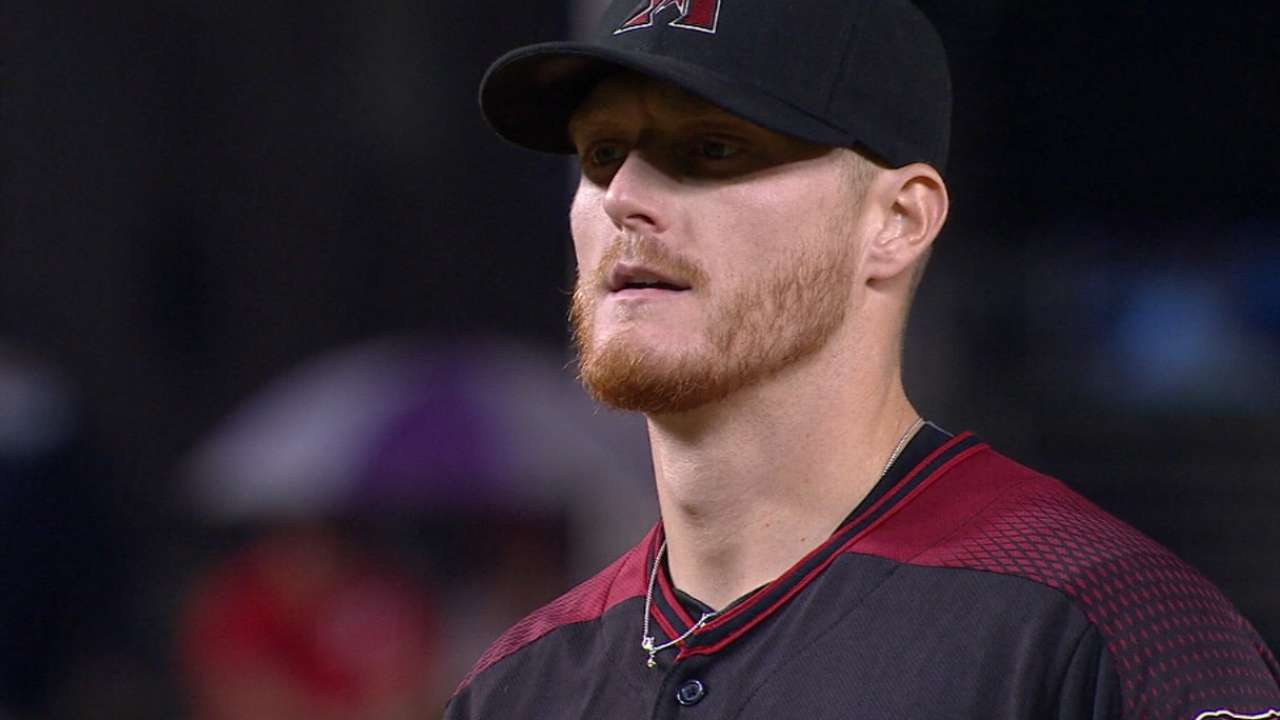 New D-backs staff, tight-knit group set to open camp