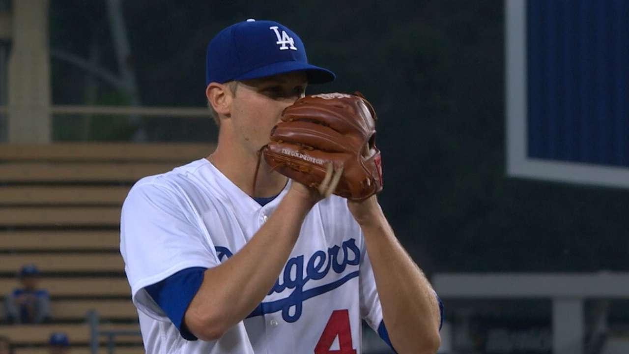 Dodgers recall Stewart, option Ravin