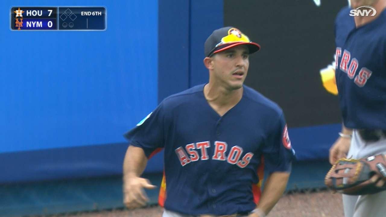 Laureano soaking up big league experience