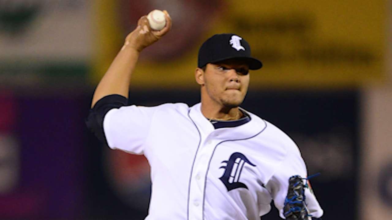 Tigers won't rush Jimenez to Majors