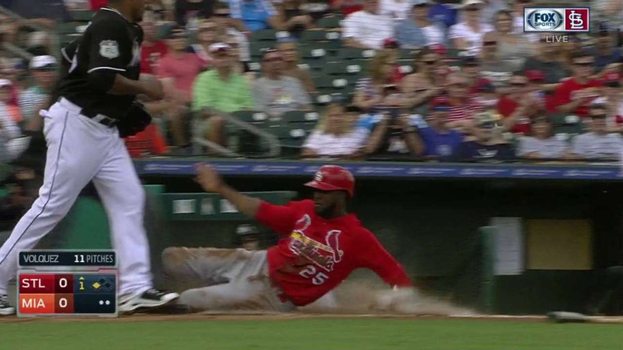 Fowler, Carpenter link up quickly in opener