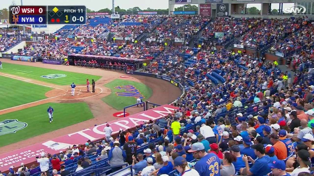 Wright receives warm ovation