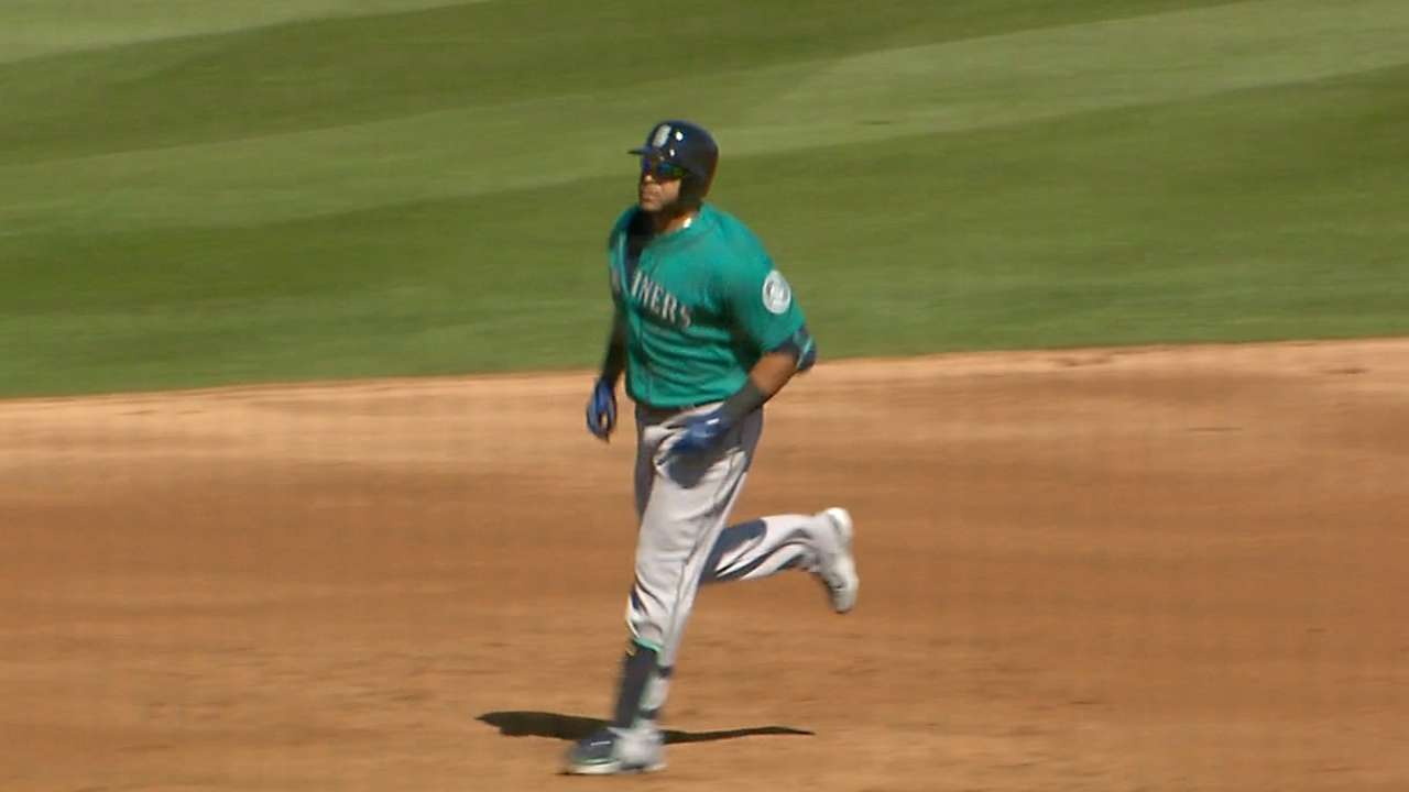 Cano, Cruz hit the ground running in victory