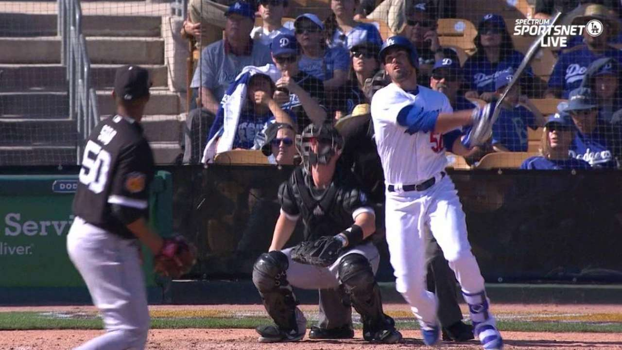 Dodgers reserves begin battle for utility position