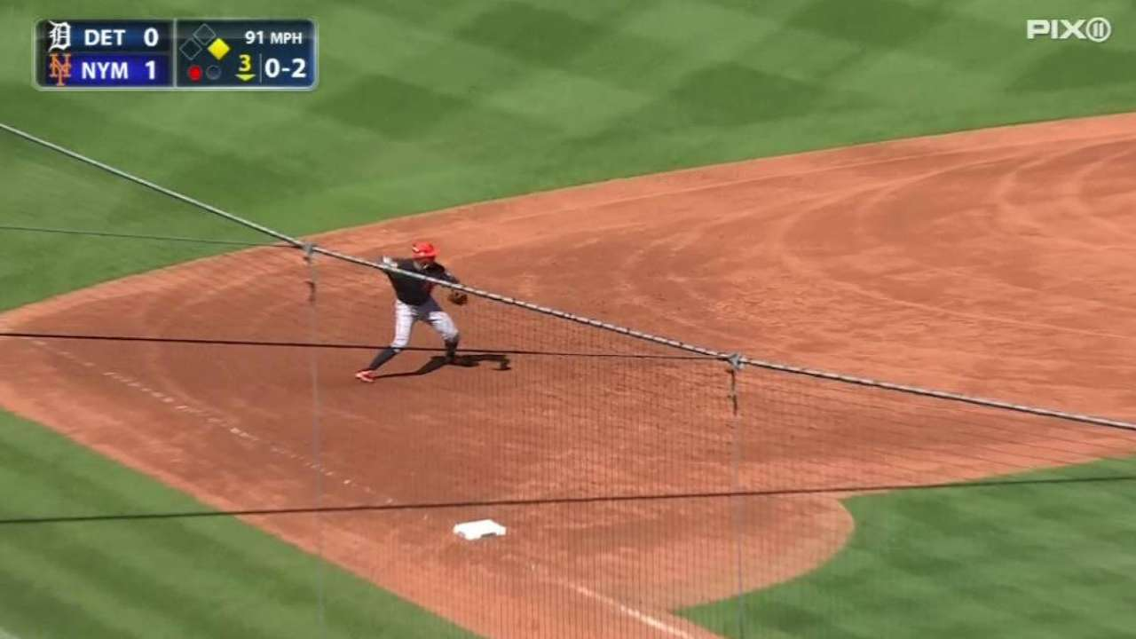 Machado turns great double play